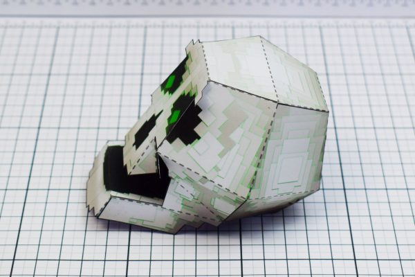PTI Pixel Skull Paper Toy Image Side