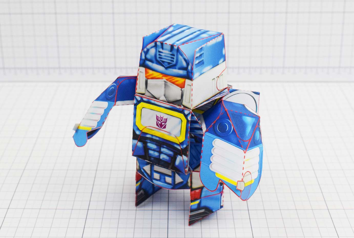 Working transformer fan art paper toy design paper craft model sound wave soundwave