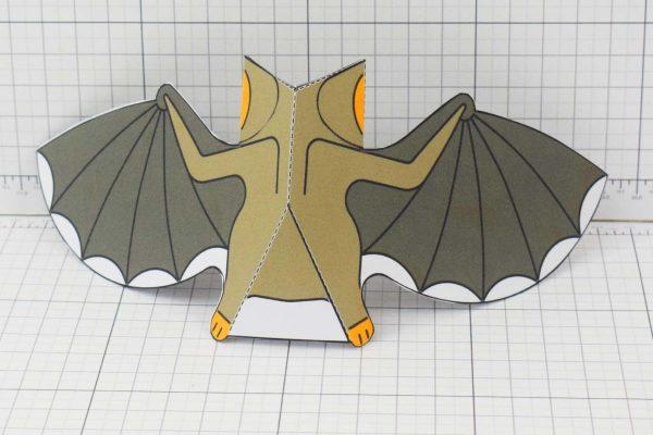 PTI-PTP-Halloween-Vampire-Bat-Craft-Paper-Toy-Image-Back