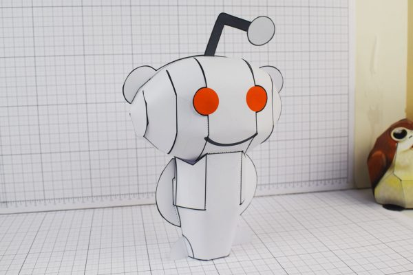 PTI Reddit Snoo Mascot Paper Craft Toy Image - Main