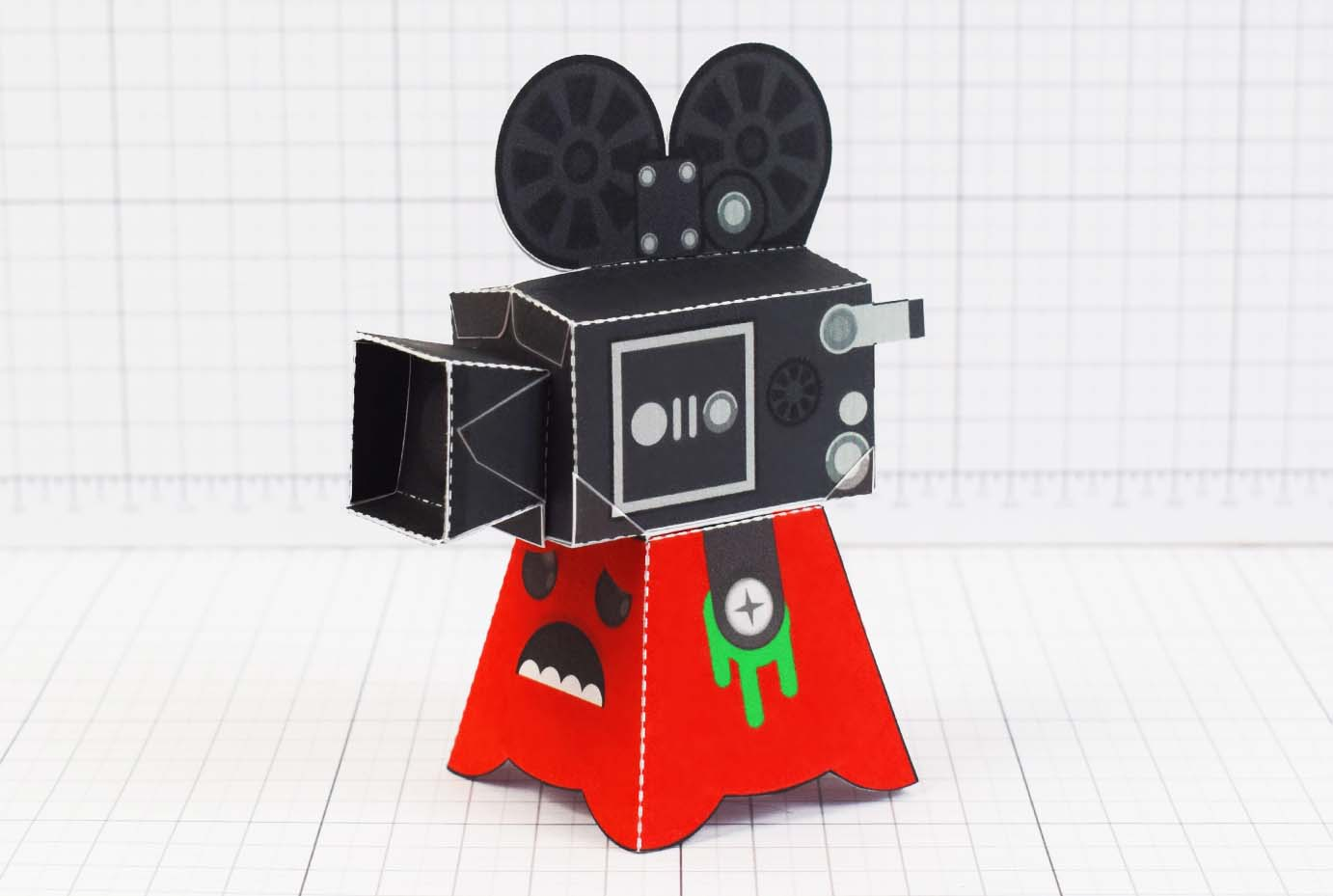 PTI - Media Monsters Camera Paper Toy Image - Main
