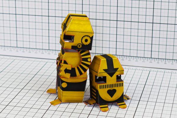 PTI Clink Klank Robot Paper Toy Side Image