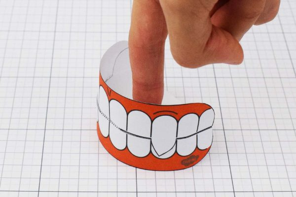 PTI Halloween Vampire Teeth Paper Toy Image from Twinkl - Shut
