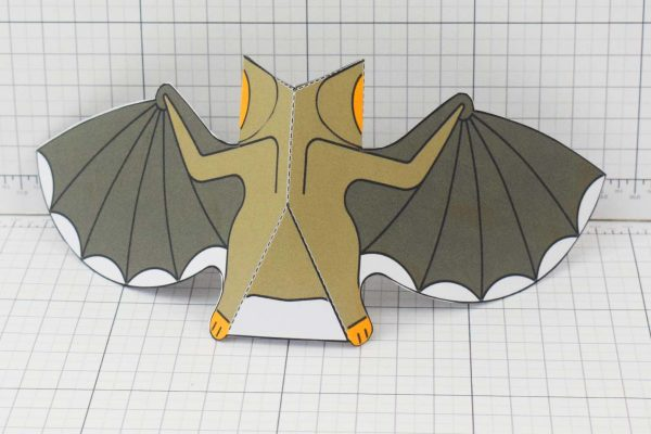 PTI-PTP-Halloween-Vampire-Bat-Craft-Paper-Toy-Image-Back