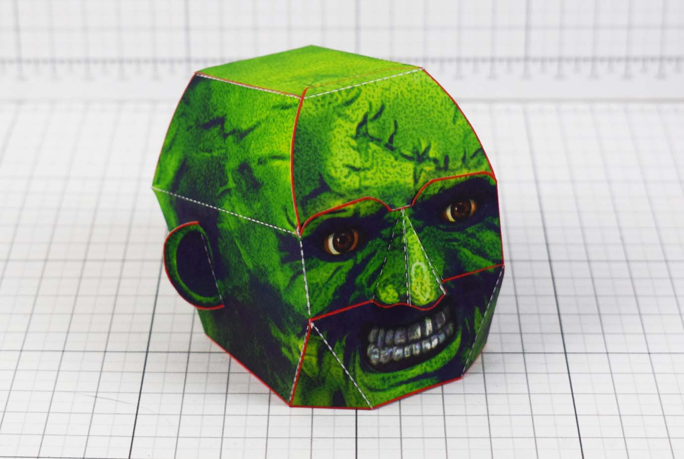 PTI - Halloween Zombie Head Decoration Paper Toy Simple - Main