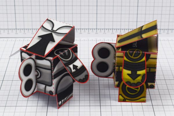 PTI - Salt and Pepper paper toy robots - Image Sides