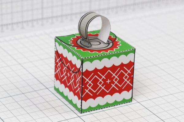 PTI - Twinkl Christmas - Box Baubles Papercraft Decoration - Image 1