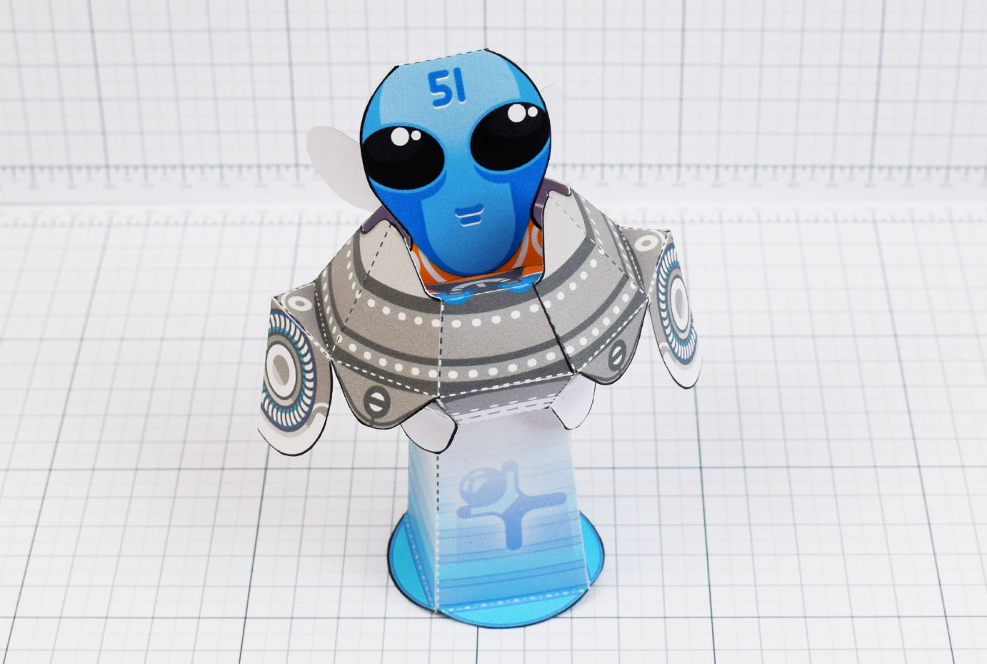 PTI - Alien abduction UFO paper toy image - main