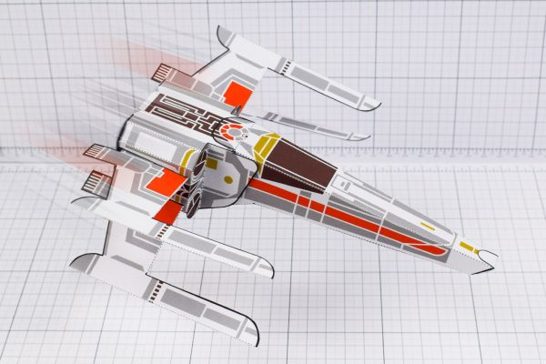 PTI - ENKL Twinkl Star Wars X wing paper toy image - main