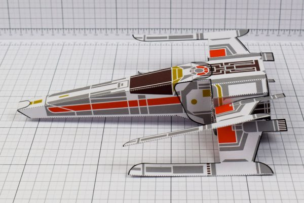 PTI - ENKL Twinkl Star Wars X wing paper toy image - side