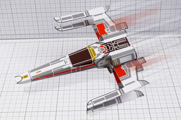 PTI - ENKL Twinkl Star Wars X wing paper toy image - top