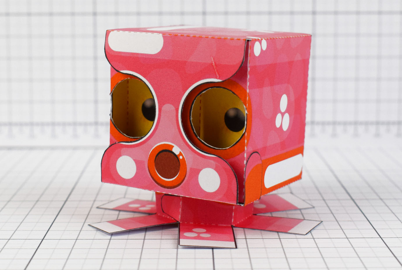 PTI - Eye Following Squid Paper Toy Optical Illusion Image - Main