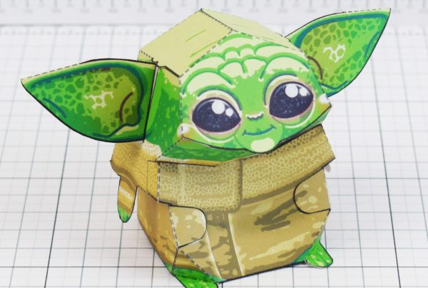 PTI - Baby Yoda Star Wars Mandalorian Paper Toy Photo - Square