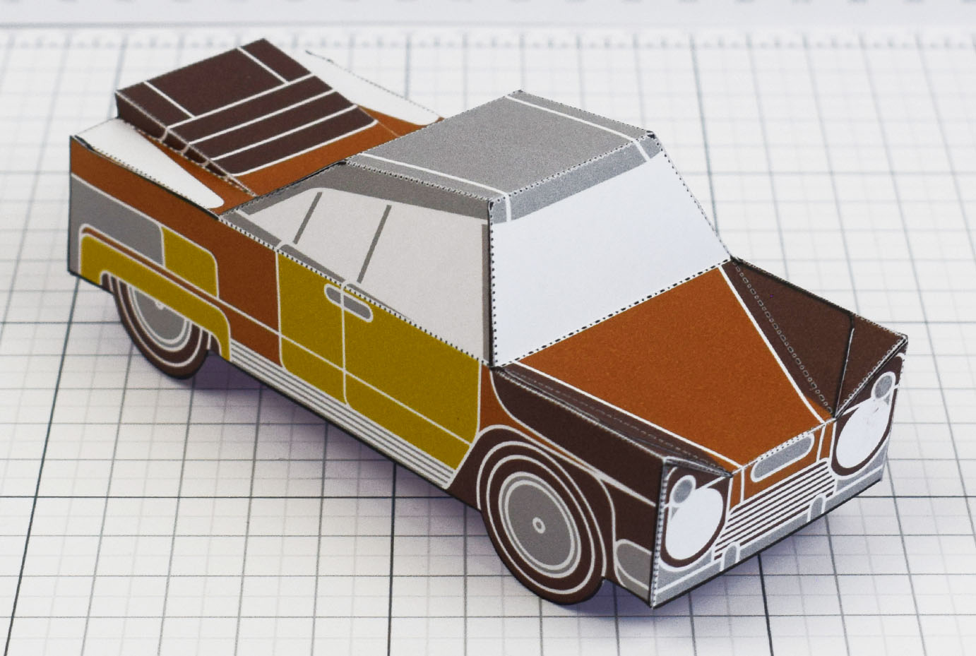 PTI - Enkl Twinkl Vintage Car paper toy craft model - Brown Main