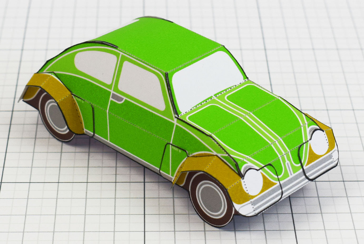 PTI - Enkl Twinkl Vintage Car paper toy craft model - Green Main