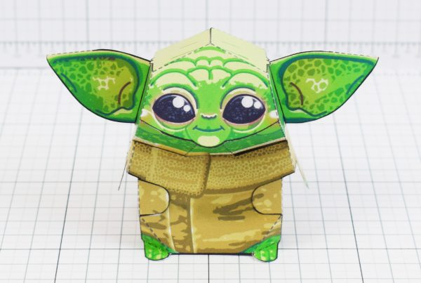 PTI - Baby Yoda Star Wars Mandalorian Paper Toy Photo - Front