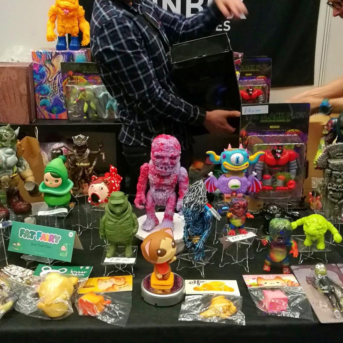 Toy Con Table
