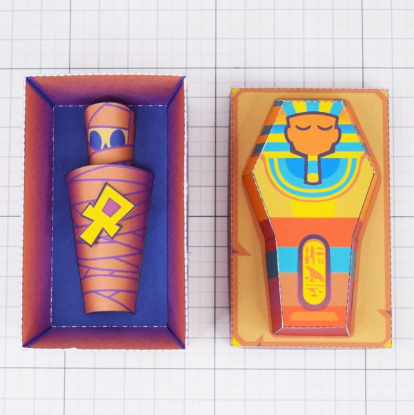PTI - Embalmed Queen Mummy Sarcophagus Paper Toy Image - Top